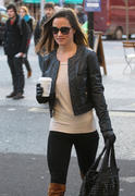 Филиппа Шарлотта 'Пиппа' Мидлтон, фото 73. Philippa Charlotte 'Pippa' Middleton Pippa Walking to Work x25 HQ, foto 73