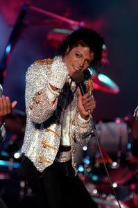 1984 VICTORY TOUR  Th_754108641_7030079339_6b6edc795e_b_122_252lo