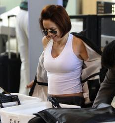 Patricia Heaton - Looking Sexy at the airport circa 2008