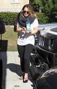 http://img279.imagevenue.com/loc422/th_490496113_Hilary_Duff_Pilates_class_in_Studio_City8_122_422lo.jpg