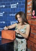 http://img279.imagevenue.com/loc452/th_792896132_Alyssa_Milano_Montblanc_And_UNICEF_Host10_122_452lo.JPG