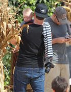 http://img279.imagevenue.com/loc455/th_277962890_Hilary_Duff_MrBones_Pumpkin_Patch25_122_455lo.jpg