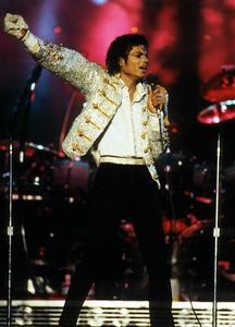 1984 VICTORY TOUR  Th_753906555_6884015988_c467d20976_b_122_459lo