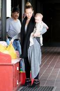 http://img279.imagevenue.com/loc491/th_050509605_Hilary_Duff_out_and_about_in_LA11_122_491lo.jpg