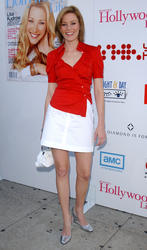 [IMG]http://img279.imagevenue.com/loc510/th_52498_celebrity_city_Elizabeth_Banks_112_123_510lo.jpg[/IMG]