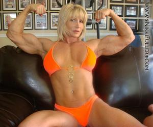 Biceps Goddess Of January 2011 Nikki Fuller