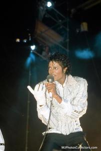 1984 VICTORY TOUR  Th_754437431_7030140763_4f7a661846_b_122_90lo